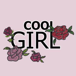 Print mit Pailettenstickerei Schriftzug Cool Girls und Tatoo Rosen